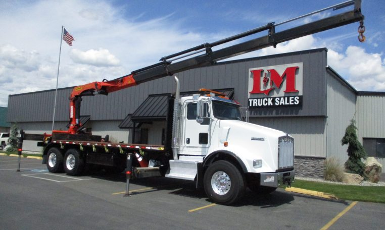 Thumbnail : 2015 KENWORTH T800 5893-BOOM-EXTENDED-OVER-CAB-762x456