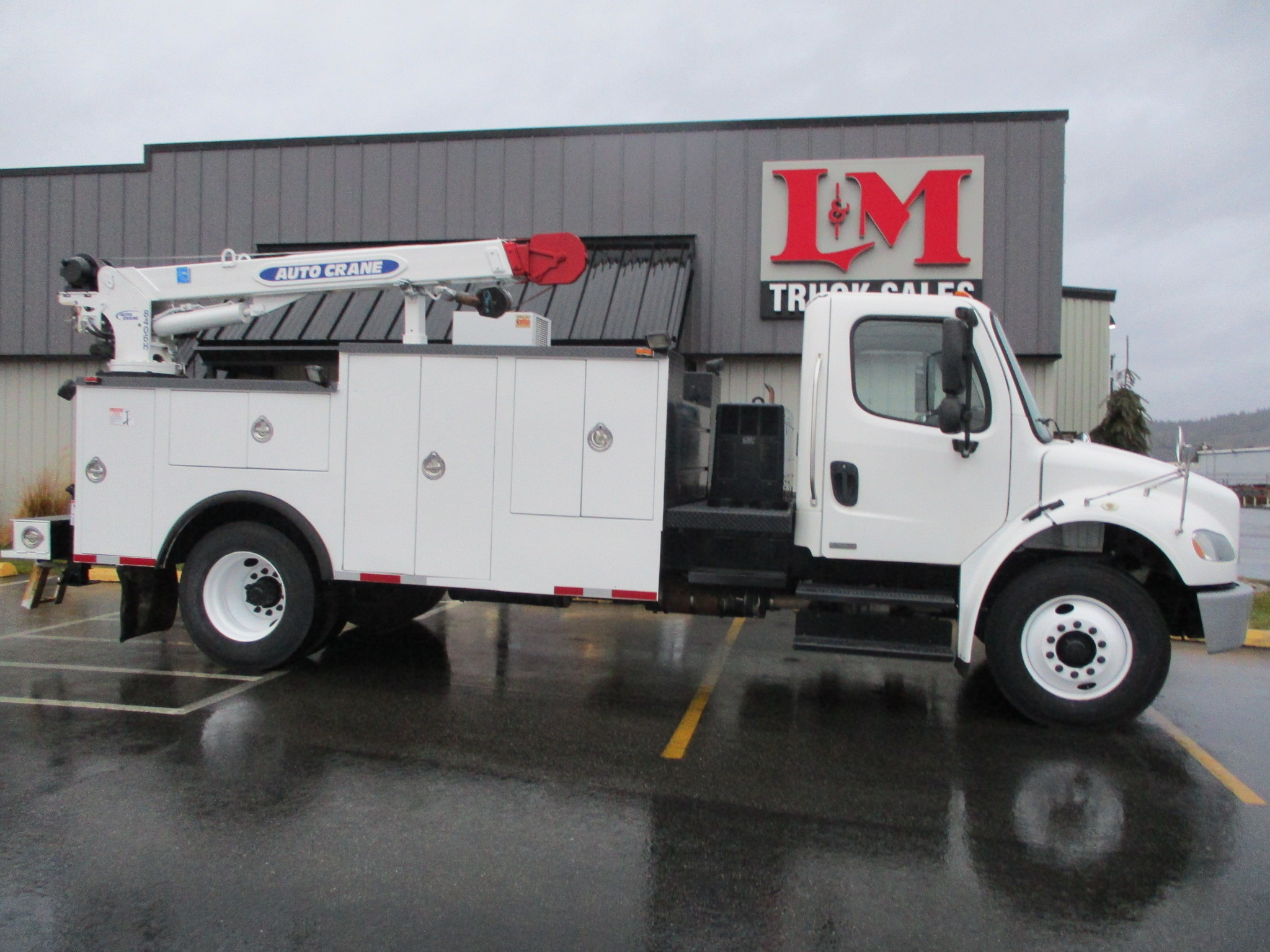2012 FREIGHTLINER M2-106 5962-SIDE-VIEW