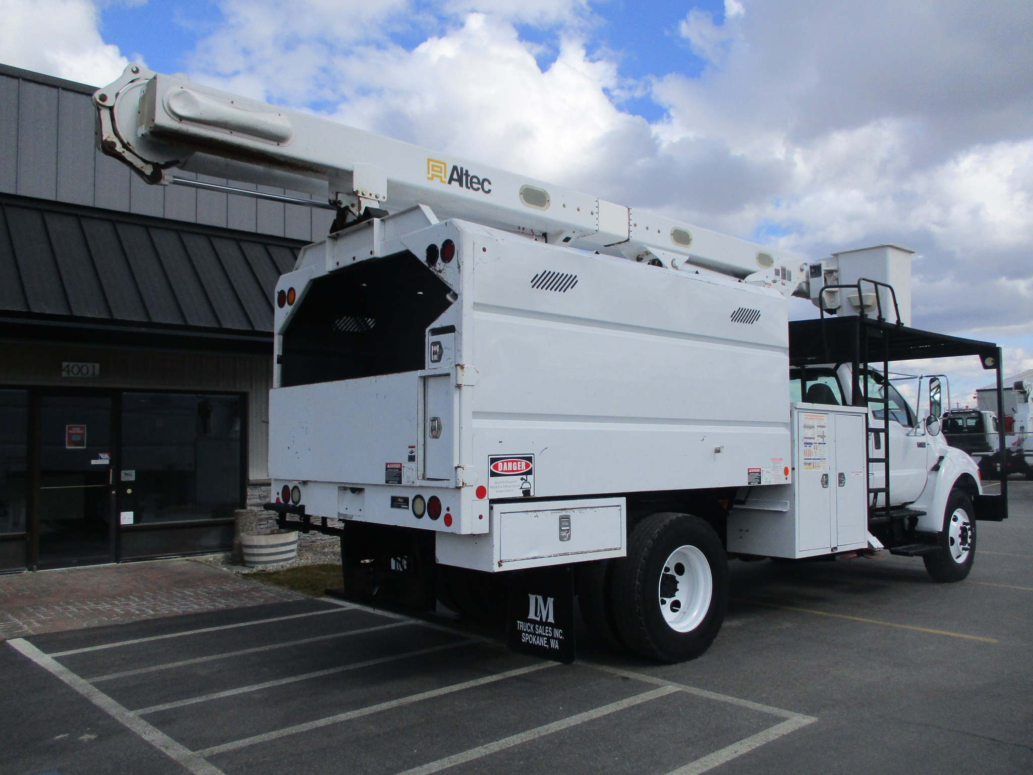 Thumbnail : 2011 ALTEC LRV-55 6012-REAR-1