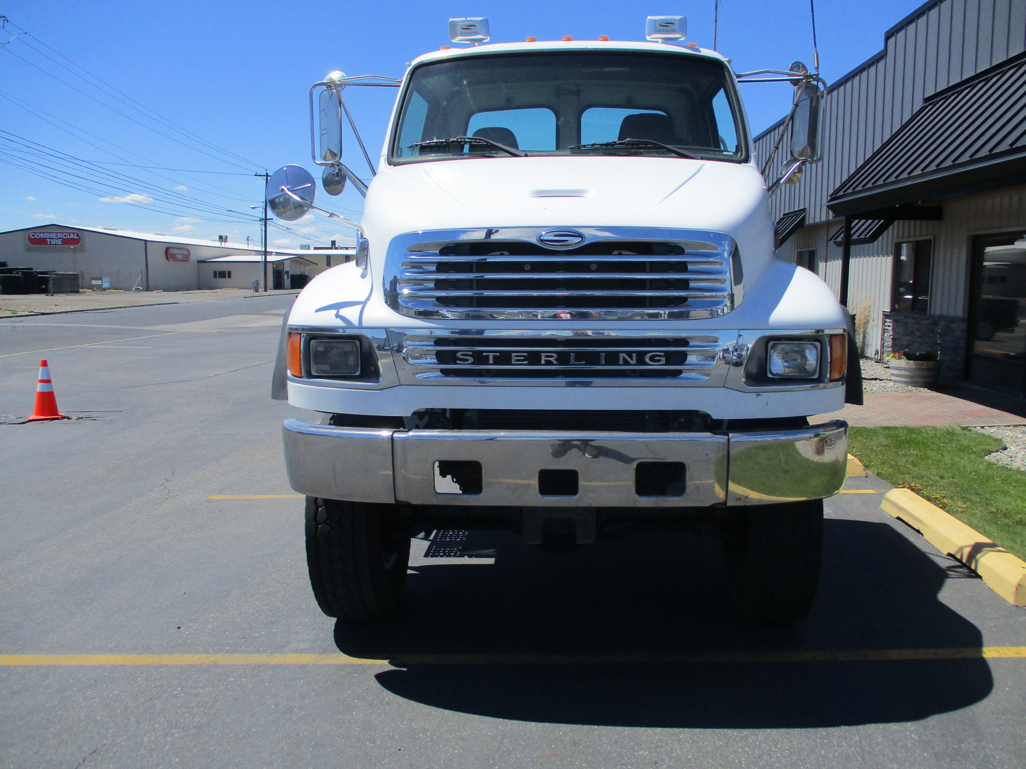 2002 STERLING M8500 6X6 5989-FRONT