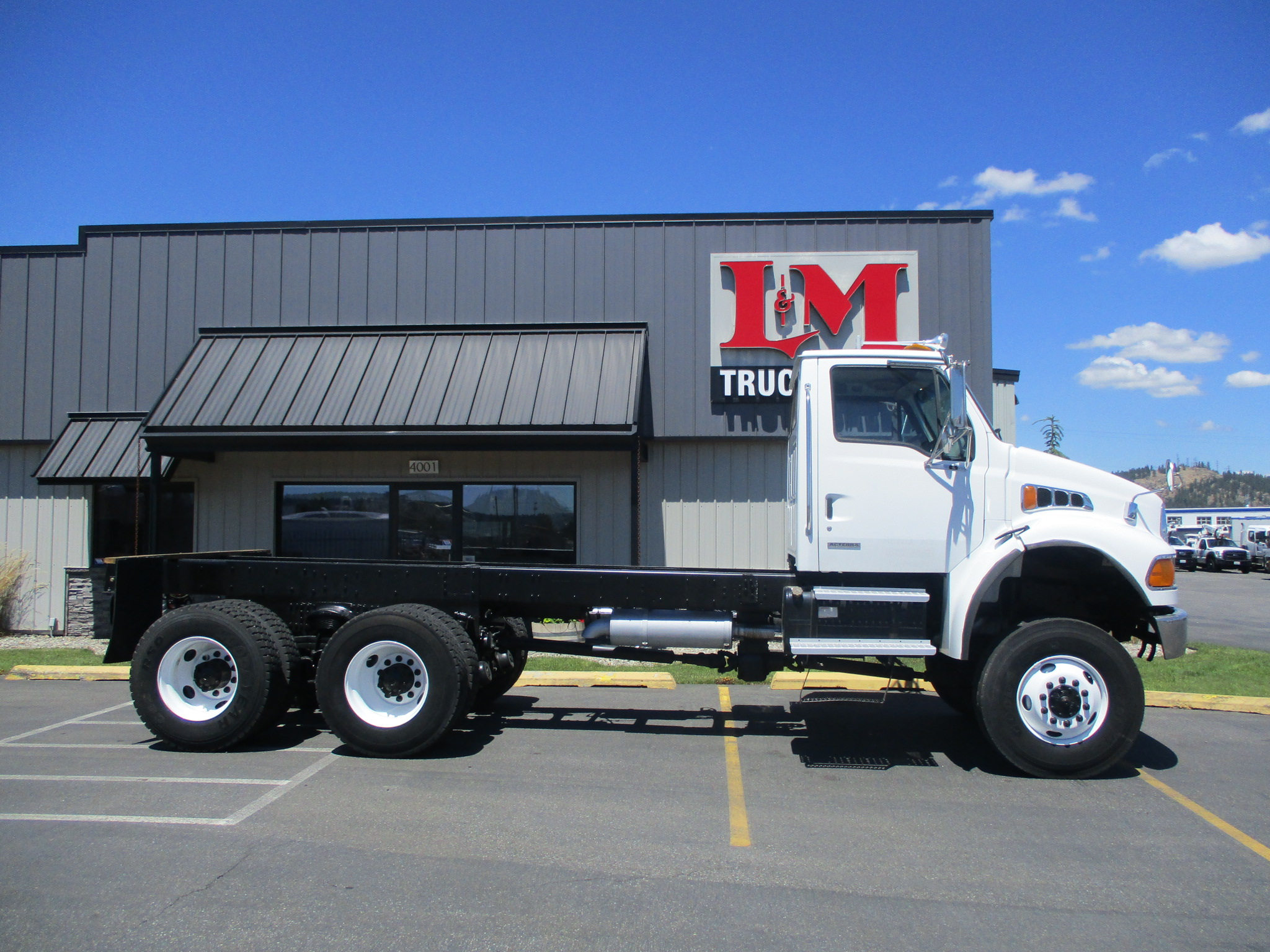 2002 STERLING M8500 6X6 5989-SIDE-VIEW